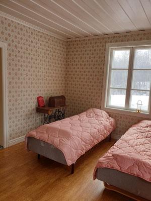 sovrum / vardagsrum på nedre plan