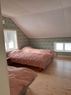 stora sovrum på övre våning
