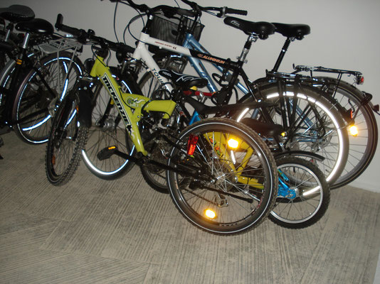 Ihre Fahrräder können sie in der Tiefgarage abstellen