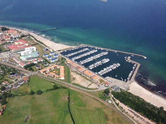 Direkt am Hafen liegt die Fewo Ostseerauschen