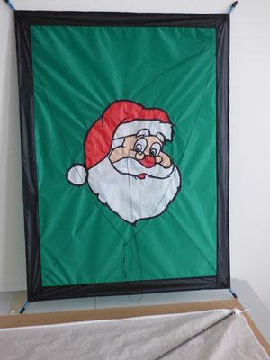 Das Weihnachtsmanngesicht von Martina ist fertig.