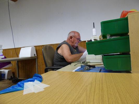 Lothar bei konzentrierter Arbeit.