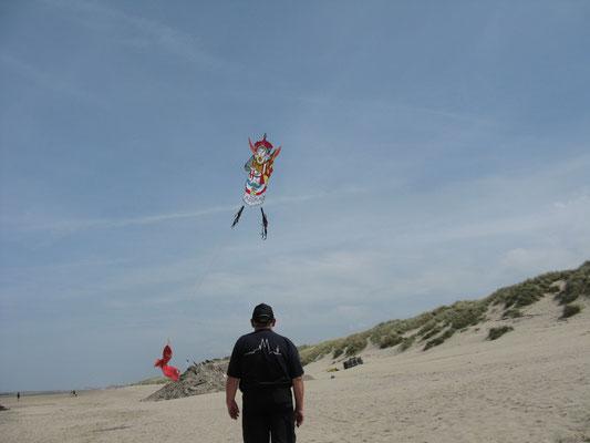Lothar fliegt seine chinesische Frau.