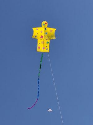 Erstes Fliegen der Workshopdrachen von Katrin...