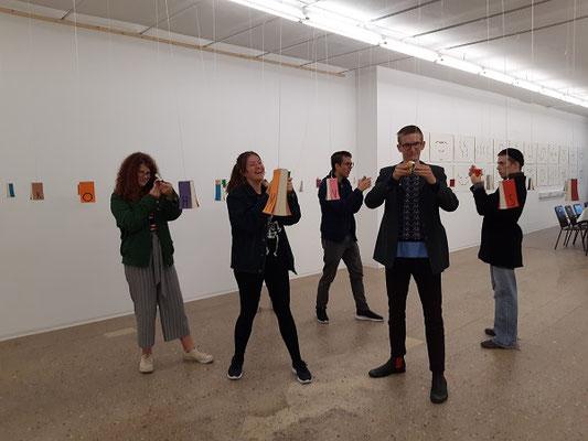 Malakademie Jugend beim Ausstellungsbesuch -Kunstgalerie Waidhofen/Thaya, Sept.2019