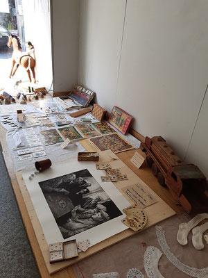 Alte Spiele -kleine Ersatzausstellung -in der Auslage-statt im Museum Kautzen.