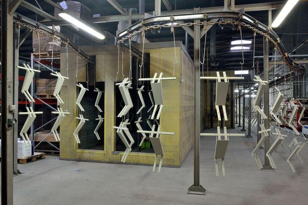 Thermolaquage automatique, société Poudrex, Brive