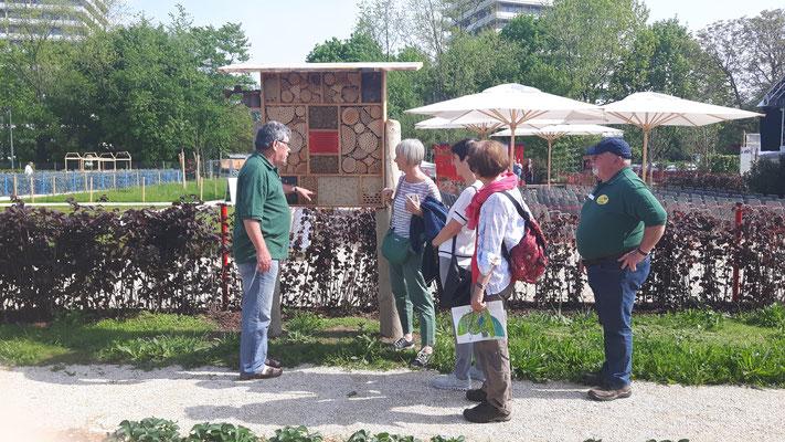 OGV-Kollegen aus Rust (links) und Rheinhausen beraten und informieren