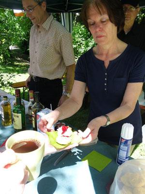 Frühling International, Tee und Scones im Wicklow Garden, 16.06.2013