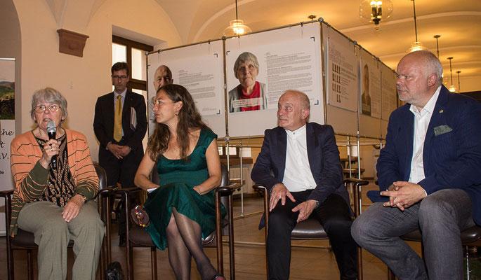 Operation Shamrock, Ausstellungseröffnung, 26.07.2017 (Agnes Thevis, Monica Brandis, Klaus Armstrong-Braun, Matthias Fleckenstein, Foto: Claudia Lother, Stadt Würzburg)