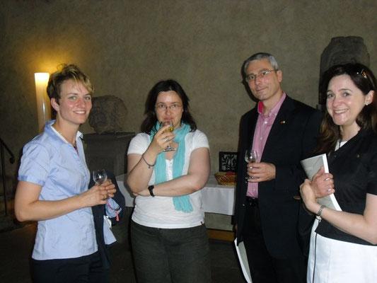 Empfang für die irischen Gäste im Wenzelsaal, 04.07.2013 (Katharina Wimmer, Silke Trost, Peter Wimmer, Emma Phelan)