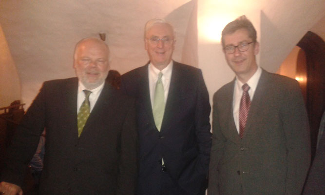 Traditional Irish Christmas Dinner (Matthias Fleckenstein, Botschafter Michael Collins, Oberbürgermeister Christian Schuchardt), 25.11.2016