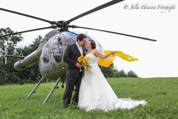 Brautpaar Kuss am Heli