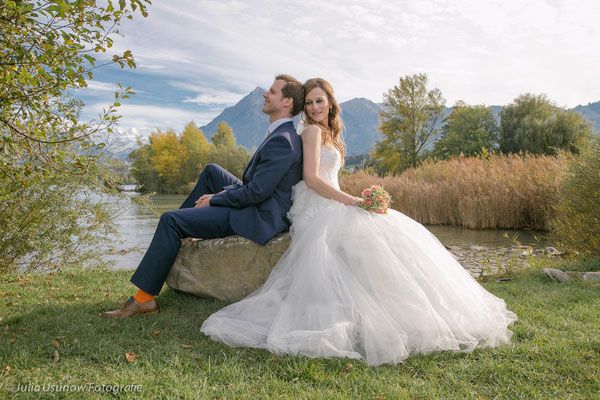 Brautpaar im Berner Oberland am Thunersee