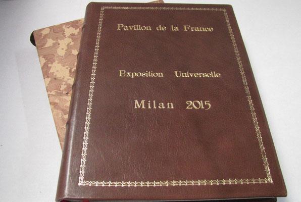 Libro firma in piena pelle con stampa oro per il padiglione della Francia ad Expo 2015, Milano