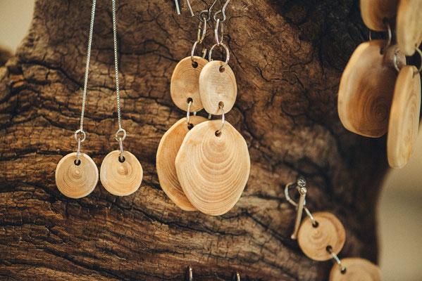 Bijoux en buis et argent 925 Katia panfiloff. Photographie www.essencedelavie.com