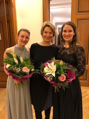 mit meiner ehemaligen Professorin KS Gabriele Fontana und Kollegin Anita Rosati, Wiener Musikverein, Dezember 2019