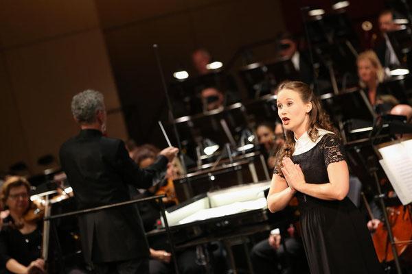 """als Nonne """"Amanda"""" beim Eröffnungskonzert der Volksoper Wien mit Alfred Eschwé (Dirigat), September 2020, Foto (c) Barbara Pálffy"""