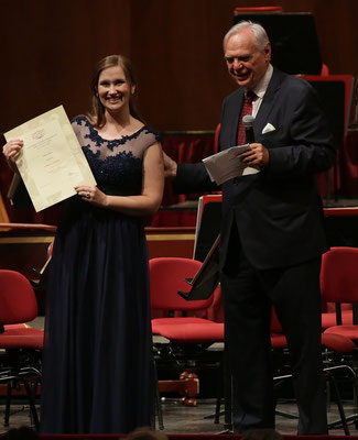 Überreichung Diploma mit Direktor Alexander Pereira, Teatro alla Scala 2016