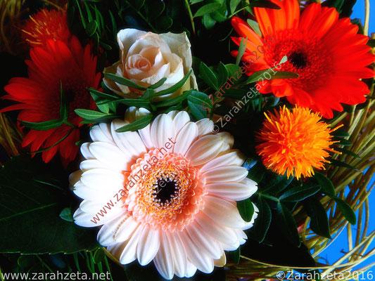 Bunter Blumenstrauß als Blumengruß