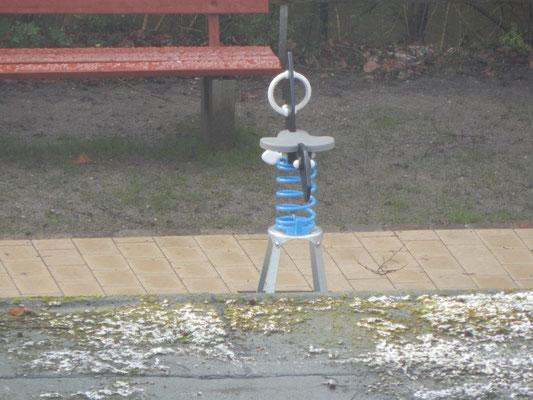 Baustelle Kinderspielplatz mit Sitzwippe