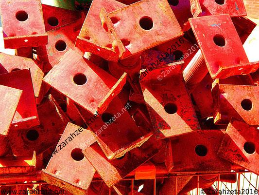 Rotes Baumetall als Industrial Motiv