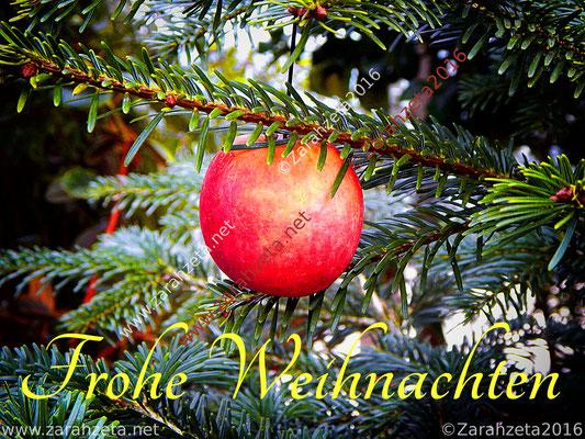 Roter Apfel als Christbaumschmuck