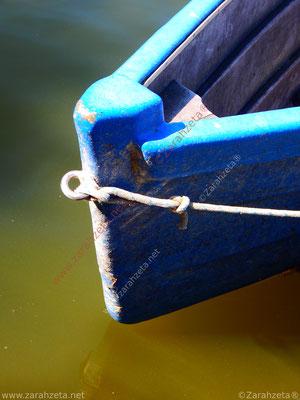 Das Boot mit Bug eines alten Fischerbootes