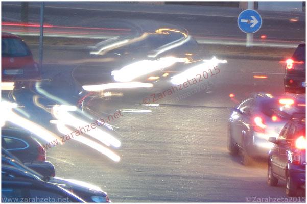 Scheinwerferlicht im Straßenverkehr