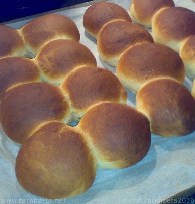 Alternativer Foodblog mit firsch gebackenen Brötchen