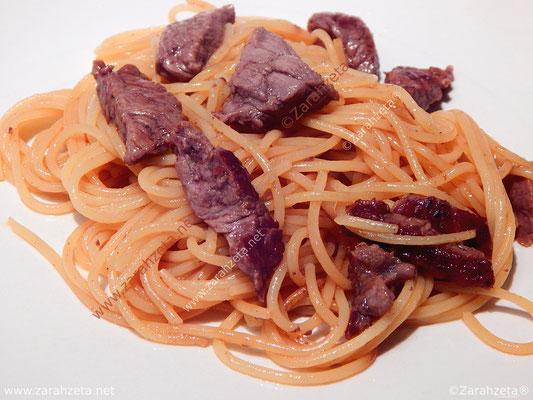 Rindergeschnetzeltes mit Spaghetti