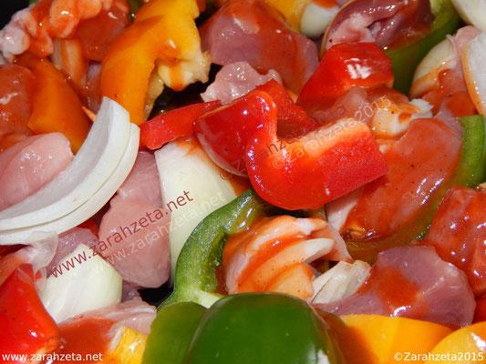 Alternativer Foodblog mit Paprikagemüse und Schweinefleisch