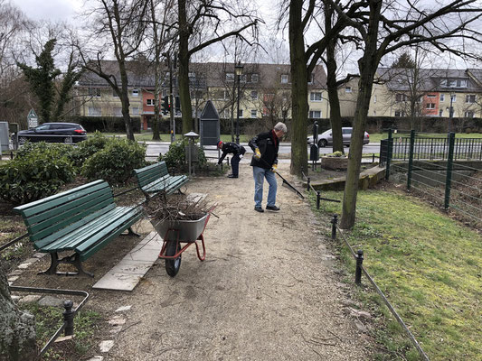 2019-03-16 Wege harken