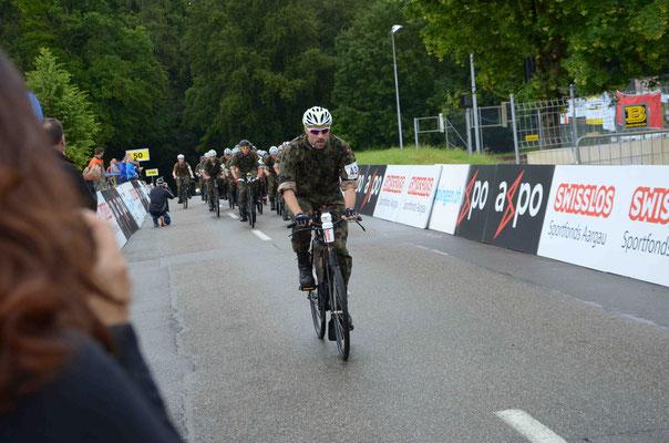 Stefan Schenkel zeigt sich in der ersten Runde ganz vorne.