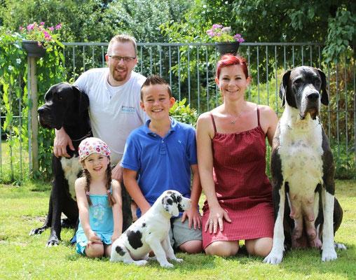 Familie Natalie und Marc Weinforth    Züchter del Toro