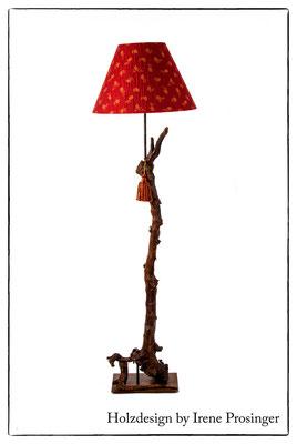 Stehlampe Schilcherland Holzdesign Irene Prosinger