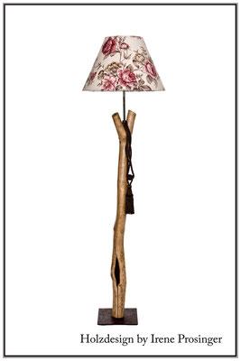 Stehlampe Strasoldo Holzdesign Irene Prosinger