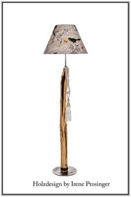 Stehlampe Ucello Holzdesign Irene Prosinger