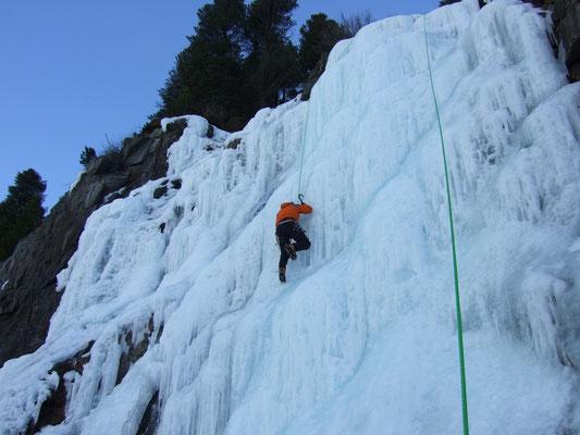 Wasserfall-Eisklettern