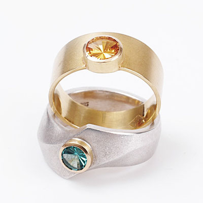 Roos Arntz-van Doren - Ring  925 Silber, 750 Gold, Turmalin  - Ring  750 Gold, Hessonith