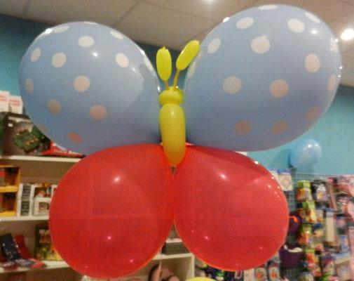 motyl z balonów