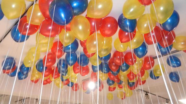 balony pod sufitem