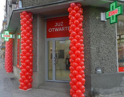 Kolumny z balonów - otwarcie sklepu