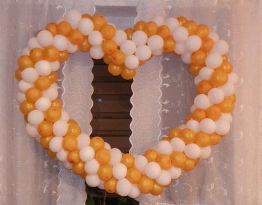 serce z balonów złoto białe