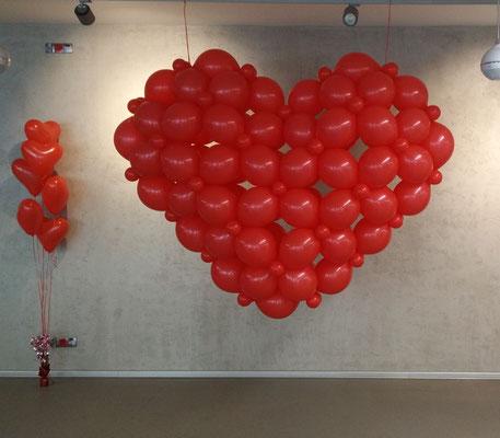 serce z balonów czerwone przestrzenne3d