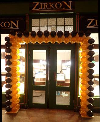 brama z balonów na otwarcie sklepu