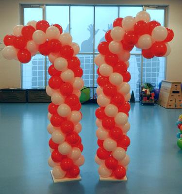 kolumny z balonów świąteczne