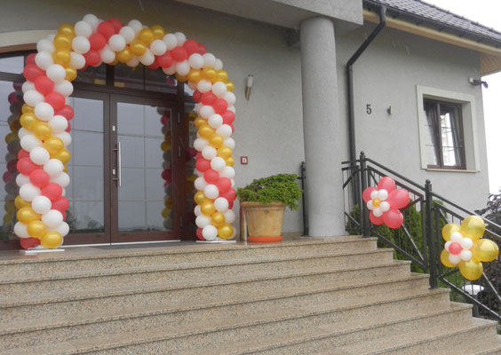 brama balonowa i kwiatki