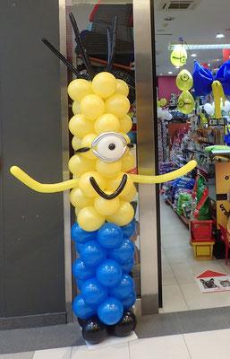 minionek z balonów