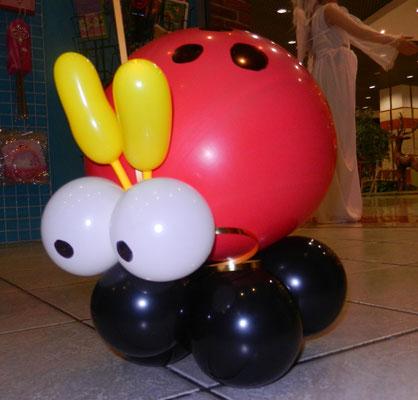 biedronka z balonów